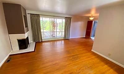 Living Room, 1806 Magnolia Way, 1