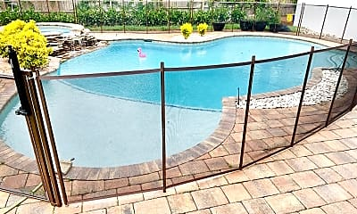 Pool, 475 NW 11th St, 2