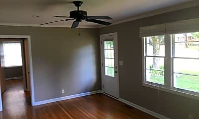 Living Room, 2701 Mailan Dr, 1