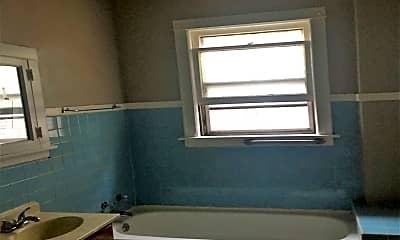 Bathroom, 7945 S Laflin St, 2
