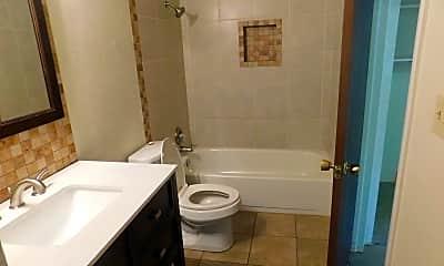 Bathroom, 805 E Cedar Ct, 2
