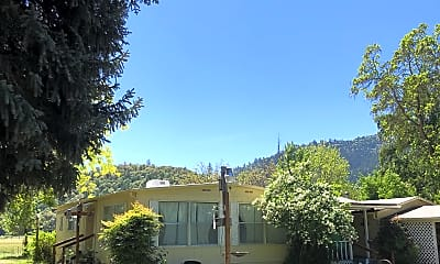 Building, 3497 Rogue River Hwy, 1