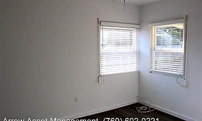 Bedroom, 548 Tamarack Ave, 2