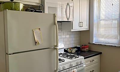 Kitchen, 7046 Forsyth Blvd, 2