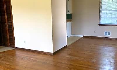 Living Room, 114 Meadow Wood Dr, 2