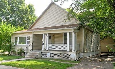 Building, 302 S Poplar St, 0