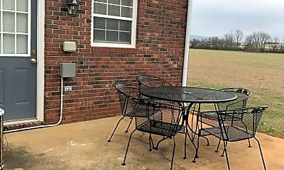 Patio / Deck, 40 Carriage Ln, 2