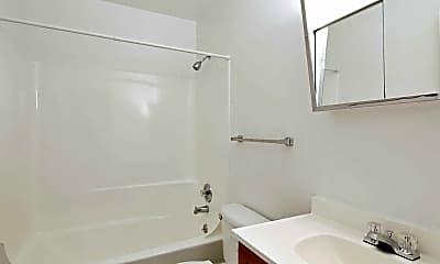 Bathroom, Howell Crossing Apartments, 2