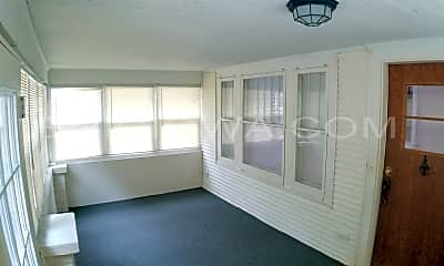 Living Room, 361 20th St SE, 1