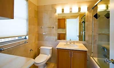 Bathroom, 1275 Greenwich St, 2