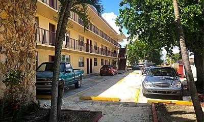 Michael Apartments, 2