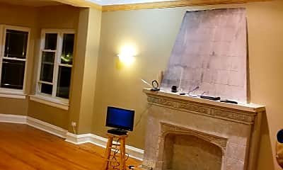 Living Room, 29 N Long Ave, 0