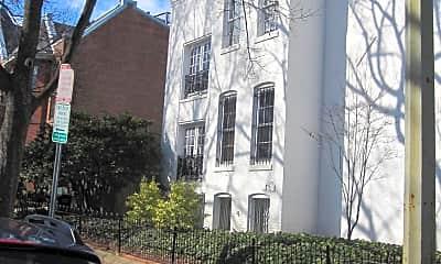 Building, 351 10th St SE 1B, 1
