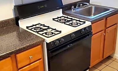 Kitchen, 1017 W Byron St, 1
