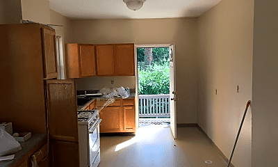 Bedroom, 611 E Mitchell Ave, 2