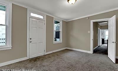 Bedroom, 707 E Philadelphia St, 2