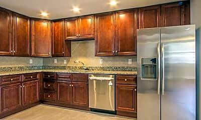 Kitchen, 4814 Killam Ave, 1