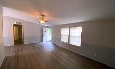 Living Room, 404 Red Bud Ln, 1