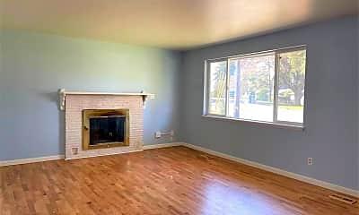 Living Room, 15155 SE 41st St, 1