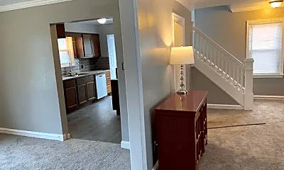 Living Room, 154 Garden St, 2