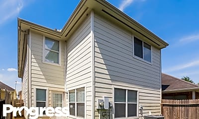 Building, 815 Forest Thicket Ln, 2