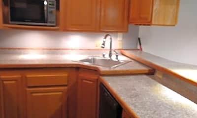 Kitchen, 315 Woodland Village, 1