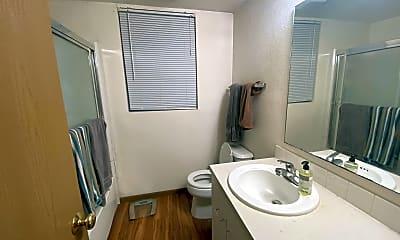 Bathroom, 1231 Ohio St, 2