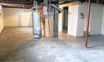 Kitchen, 2203 S 43rd St, 2