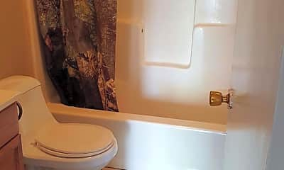 Bathroom, 201 N Irving Ave C, 2