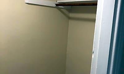 Bathroom, 128 New St, 2