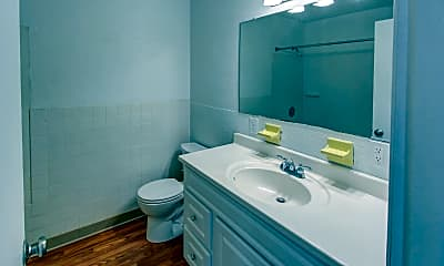 Bathroom, Woodbury Knoll Apartments, 2