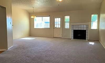 Living Room, 4406 Kit Carson Trl, 1