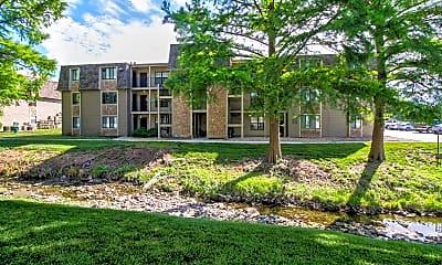 Building, Bristol Pointe Apartments, 1