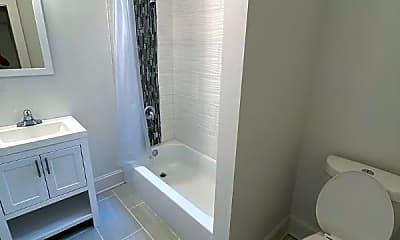 Bathroom, 6125 S Prairie Ave, 2