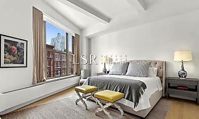 Bedroom, 166 Duane St, 2