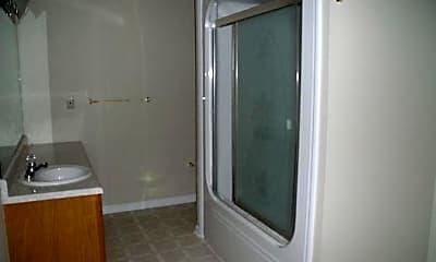 Bathroom, 215 Francis St W, 2