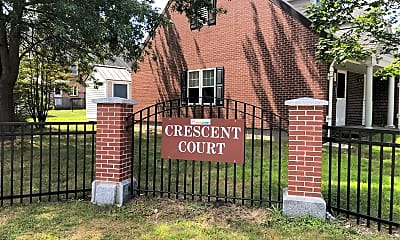 Crescent Court, 1
