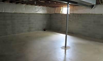 Building, 438 Oak Breeze Dr, 2