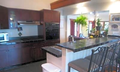 Kitchen, 74 Caroline St, 2