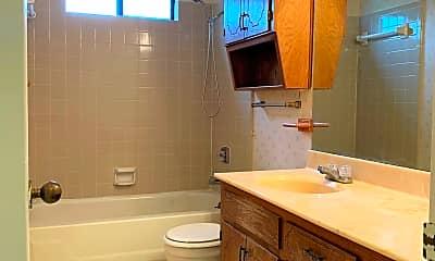 Bathroom, 2502 Schulze Dr Apt 5, 0