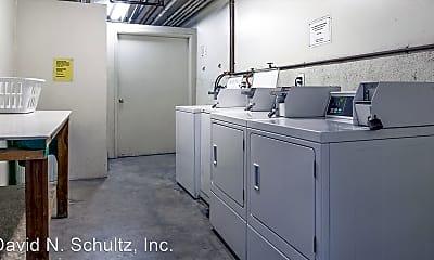 Kitchen, 416 Pioneer Dr, 1