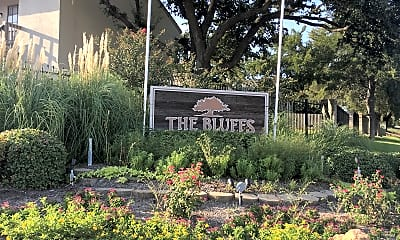 THE BLUFFS Apartments, 1
