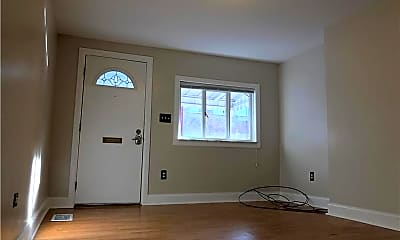 Living Room, 249 45th St, 1