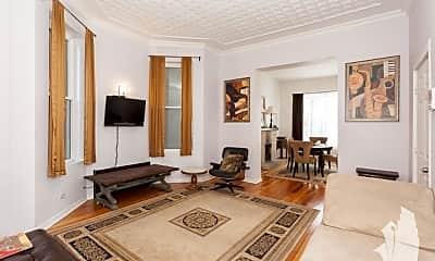 Living Room, 1635 N Ashland 3, 1