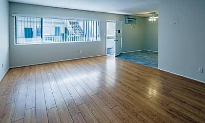 Living Room, 323 E Chestnut St, 0