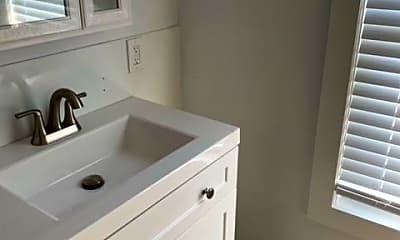 Bathroom, 144 Cabot St, 2