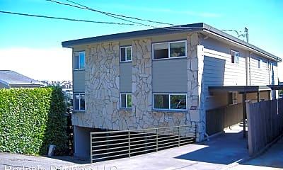 Building, 611 Lee St, 1