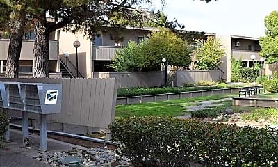 Building, Amber Grove Apartments, 1