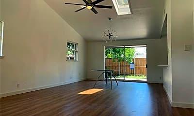 Living Room, 3104 Longbow Ct, 0