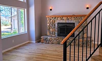 Living Room, 3850 W Hayden Ave, 1